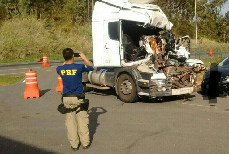 Duas pessoas da mesma família morrem em acidente na BR-040