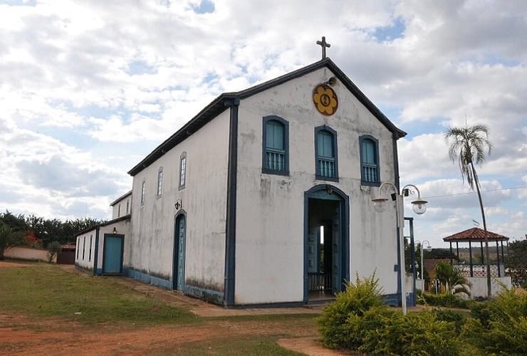 Igreja de Santo Antônio da Lagoa é reinaugurada no distrito de Lagoa Bonita, em Cordisburgo