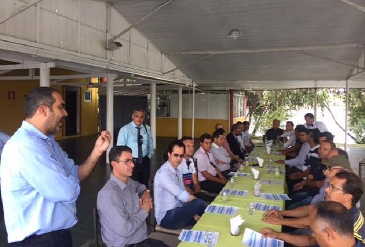 Prefeitos da AMAV recebem representantes da INSG