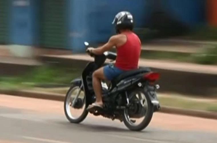 Condutor de cinquentinha vai pagar multa se dirigir sem habilitação