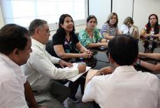 Vereadores recebem servidores do município que cobram salários atrasados