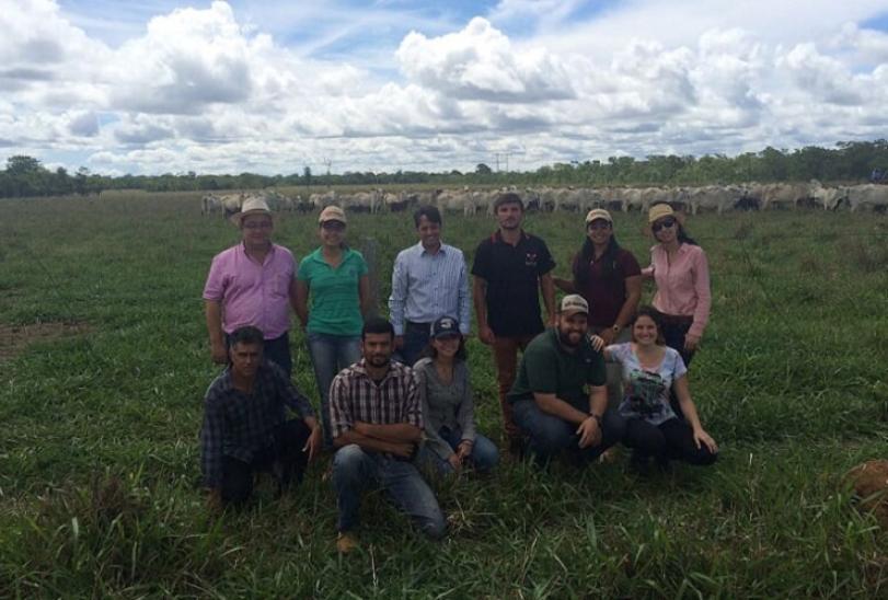 Alunos de veterinária da UFMG visitam propriedades rurais de Sete Lagoas