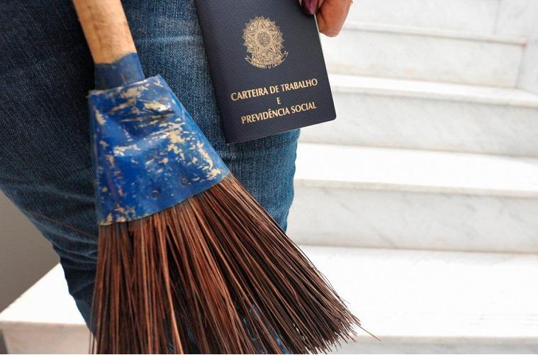 Poliany França: Direito dos trabalhadores domésticos