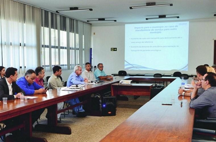 Reunião com representantes do hospital aconteceu nesta quarta-feira, 19