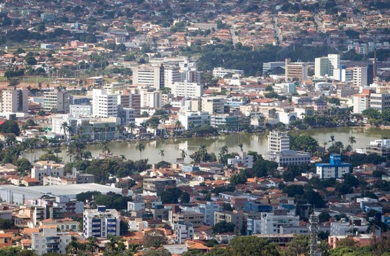 Flávio de Castro: três evidências