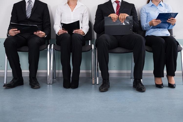 Poliany França: Como fica a situação do trabalhador quando a empresa onde trabalha fecha as portas?