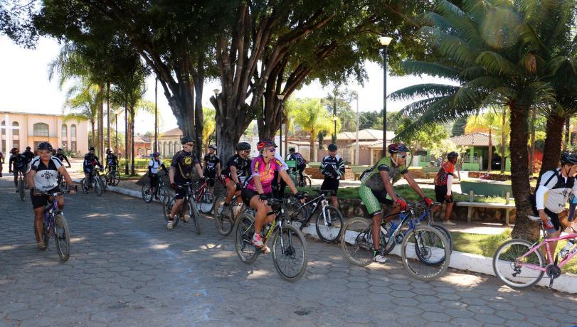 Passeio ciclístico e corrida para  comemorar o aniversário de Matozinhos
