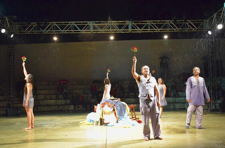 Novo espetáculo da Preqaria Cia de Teatro é sucesso de público e crítica