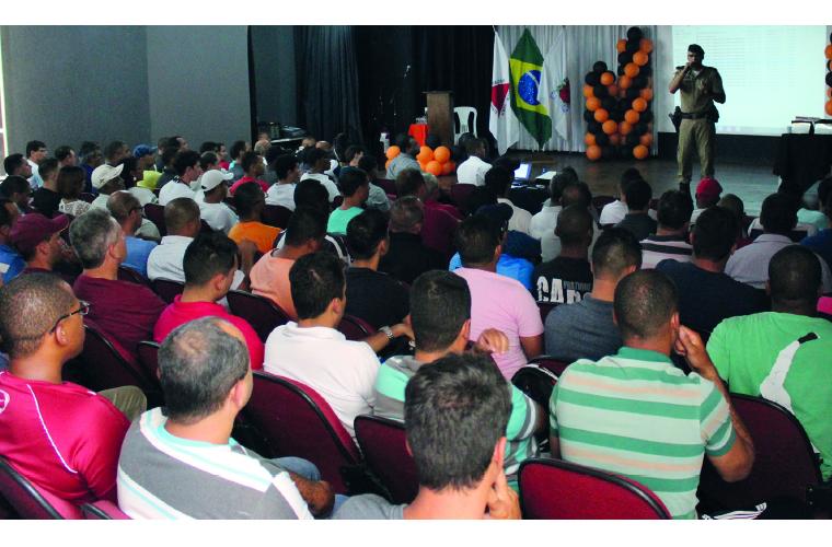 Uma das principais palestras foi a da Polícia Militar de Minas Gerais, que orientou todos sobre a postura e os cuidados que os profissionais de segurança devem ter para desestimular a ação de meliantes