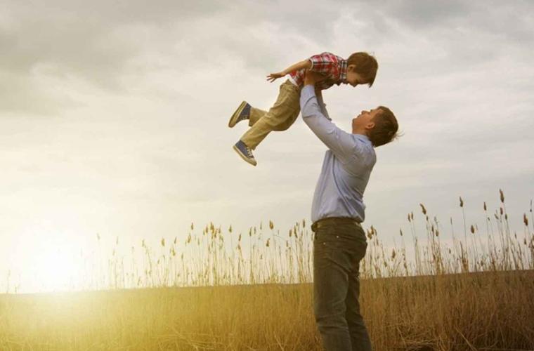 O que a figura do pai representa para o desenvolvimento da criança?