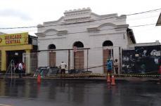 Fachada do Teatro Redenção é revelada para a população sete-lagoana