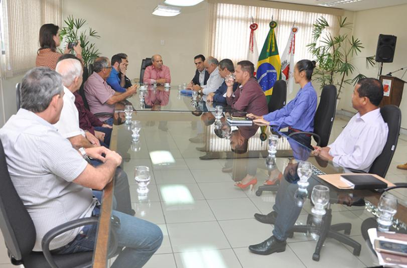 Prefeito de SL recebe presidente do PSDB mineiro