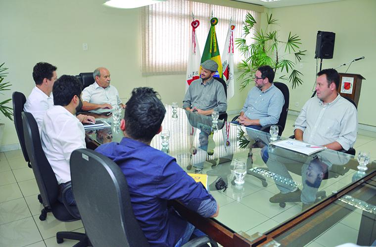 Em reunião no gabinete do prefeito Leone Maciel foram revelados detalhes do projeto
