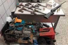 PM apreende seis submetralhadoras de fabricação caseira em SL