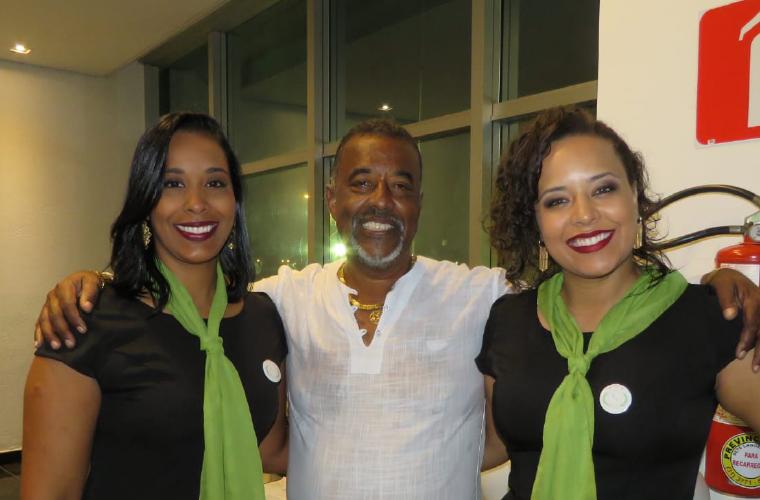 Neca e suas filhas Naiara e Natália Marques