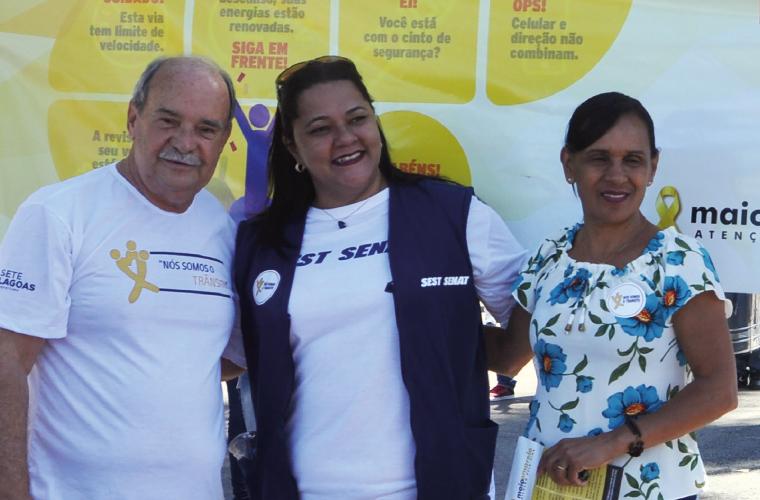 """Na abertura do """"Maio Amarelo"""", o prefeito Leone Maciel, Ana Paula Machado, do Sest Senat, e a vereadora Gislene Inocência. A programação da campanha visa orientar e incentivar comportamentos adequados ao trânsito, se estende por todo mês e tem seu ponto a"""