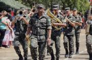 Desfile cívico-militar comemora o 7 de Setembro