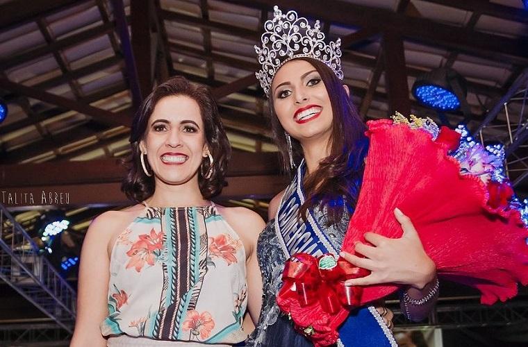 Helen Lobo, proprietária da loja Helô Moda Feminina, e Gabrielle Andrade, eleita Miss Comerciária Matozinhos 2018 - Foto Talita Abreu
