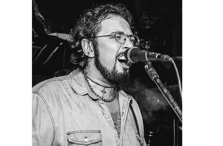 Rodrigo Dangelo - Guitarra, voz e produção