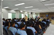 Câmara Municipal de Caetanópolis recebe estudantes