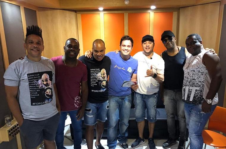 Juninho Sinonô: É o samba rock do Molejão