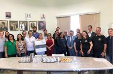 Rotary Club Sete Lagoas Serra doa cardiotocógrafo e colchões ao HNSG