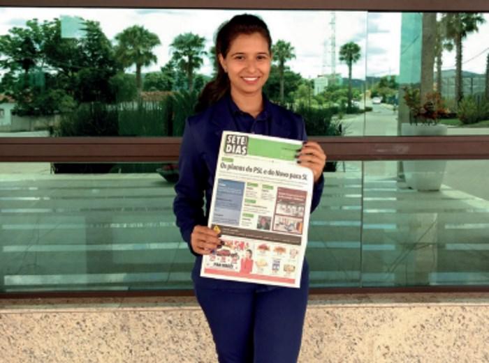 Mirna Alzira Barbosa Teixeira, recepcionista do Condomínio Fortuna Park, em Fortuna de Minas, recebe o Jornal SETE DIAS toda semana para distribuir aos moradores de um dos mais elegantes condomínios da região.