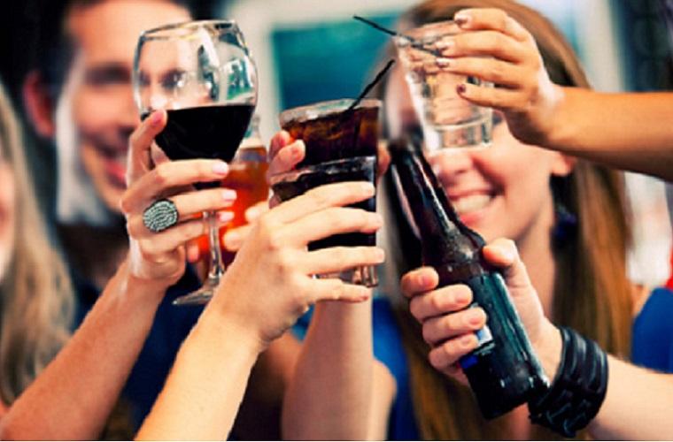 OMS alerta: Brasil tem mais de 4 milhões de pessoas alcoólatras
