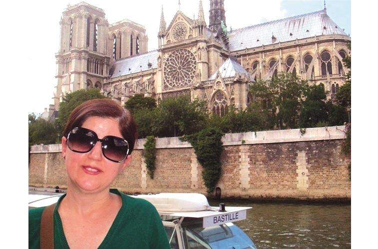 Nora Dutra, em Paris, da Agência Continente Turismo