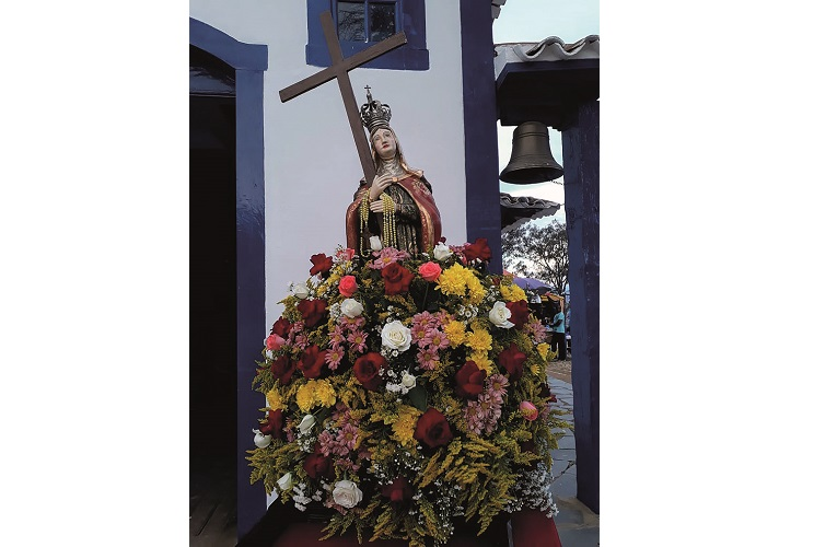 Festa da Serra em honra de  Santa Cruz  e Santa Helena