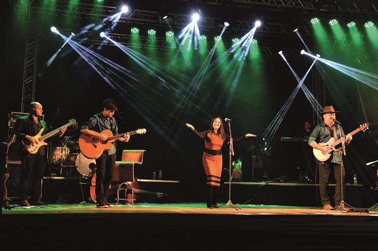 """Terminando a noite a Banda Canto Livre com Luciano  """"Macaco"""", familiares e convidados, num grande espetáculo"""