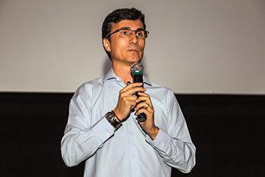 Palestrante Carlos Eduardo Costa, economista, consultor financeiro e escritor