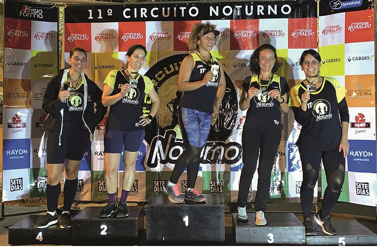 Feminina Speed-Uai: Gláucia, Josyane Cabral, Renata, Mabel,  Laila Agostini