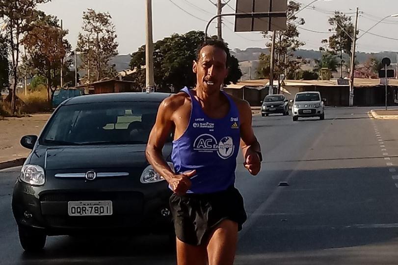 Uilia Pires compete na Maratona Internacional Floripa 2019