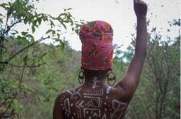 Fotógrafo sete-lagoano realiza ensaio em homenagem à beleza negra