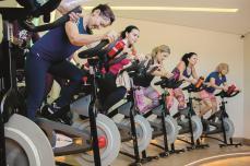 SPIVI: PREMIUM Academia investe em tecnologia para turbinar o ciclismo