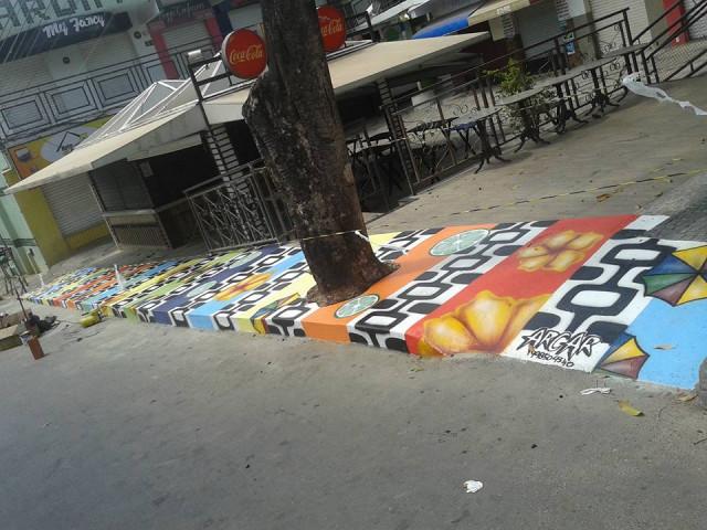 FLAGRANTE DIGITAL: Grafite colore calçada de arte