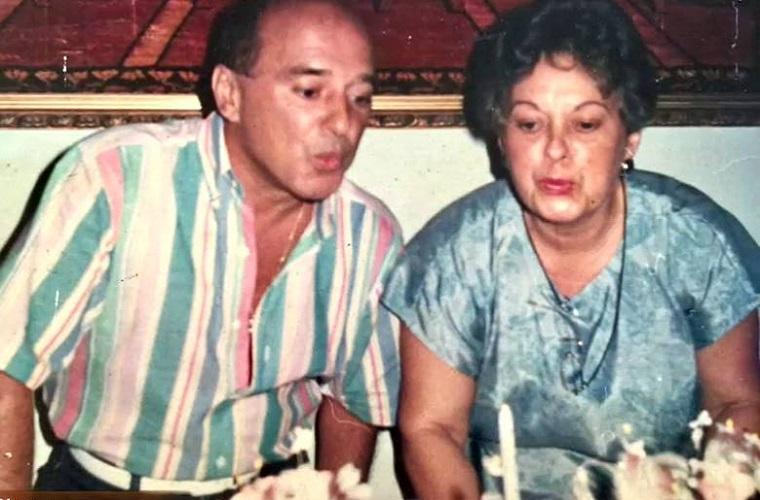 Última foto de Mauro, comemorando aniversário na casa da irmã, Wilma, em 1990. Reprodução Record TV