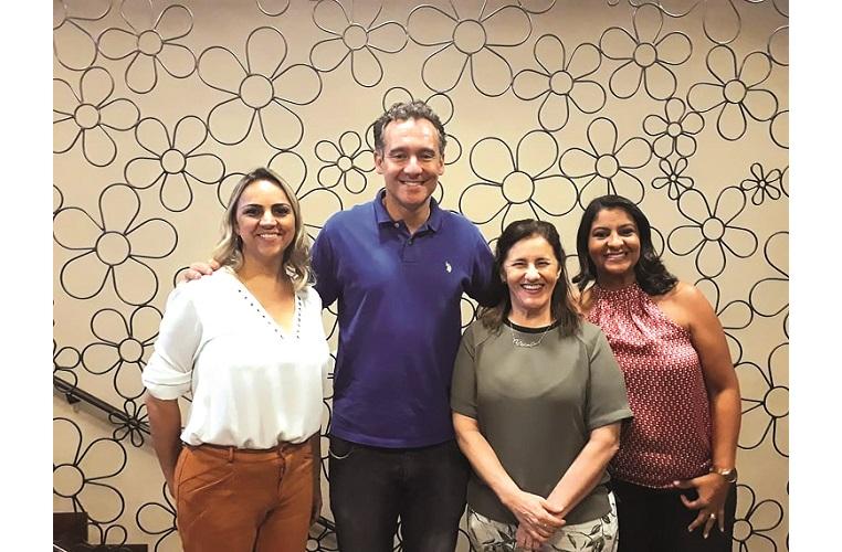 Da esq. para dir. Emanuelly Freire, Leonardo Campolina, Fátima Massula e Érica Nogueira  (colunistas e diretor do Jornal)