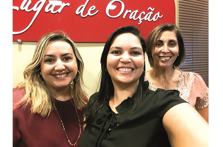 No centro, Daniele Cristina e colunistas Cristiane Newman (coaching) á esq., e Ana Lúcia (psicanalista) à dir.