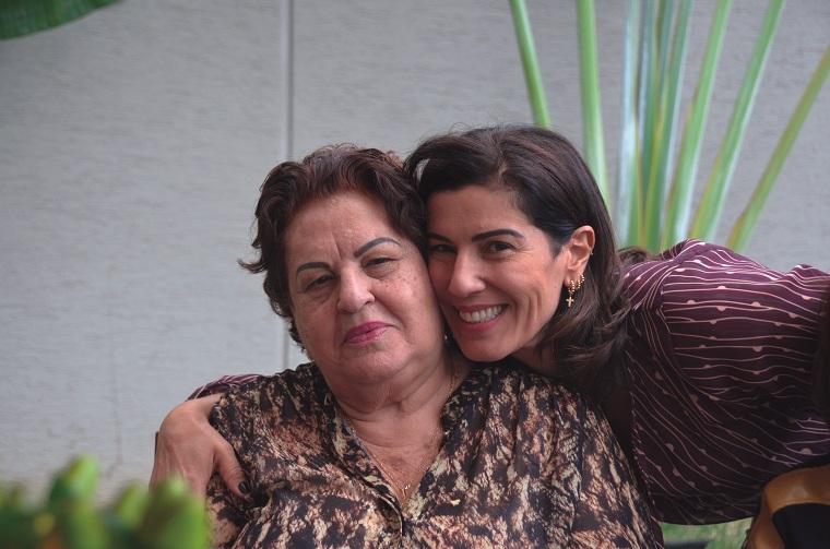 A aniversariante com sua mãe Geralda