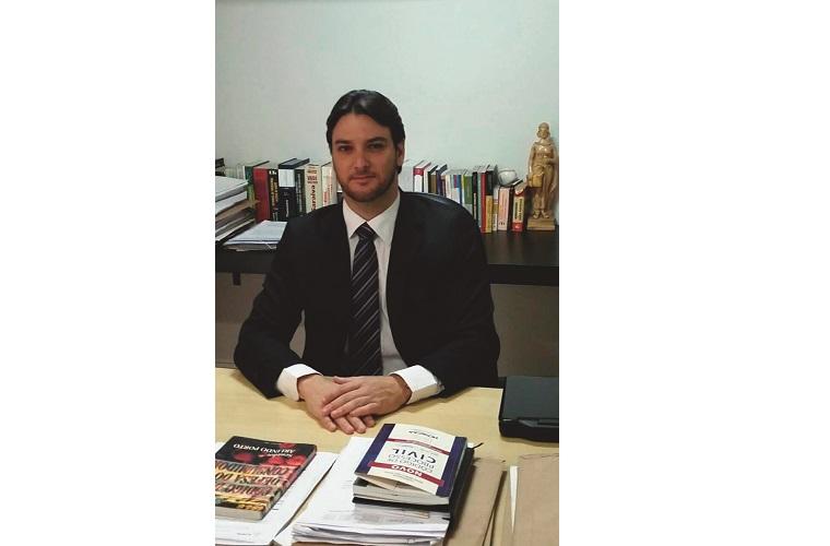 Adriano Cotta herdou do pai o gosto pela advocacia e hoje é presidente da OAB de Sete lagoas