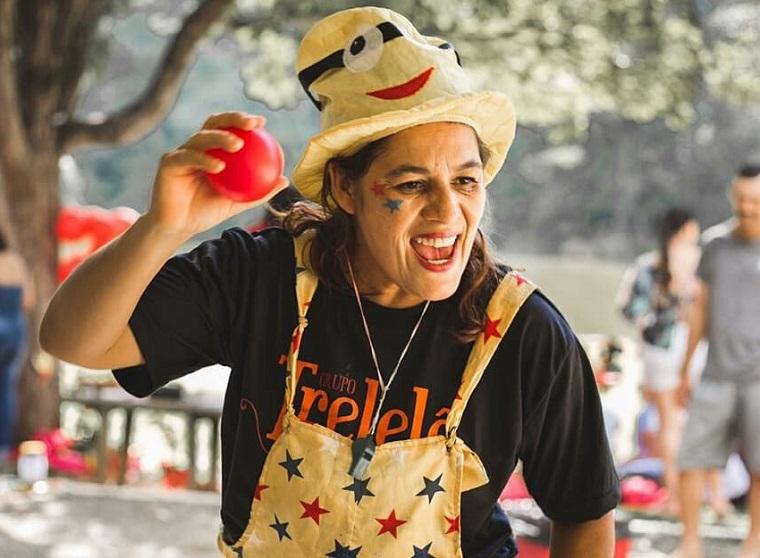 Entrevista - Dora Santos   Uma vida dedicada à arte e o fazer sorrir